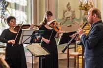 Český Krumlov hostil 29. ročník Festivalu komorní hudby. Mezi jeho vrcholy patřil večer nazvaný Pocta Mistru Sukovi. V pátek 3. července zahrál v Zrcadlovém sále zámku Adamus Ensemble.