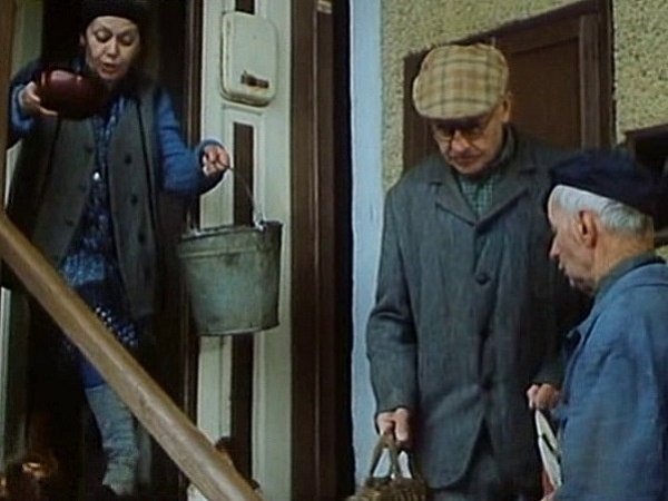 Ve Vaňkově chalupě čili UKalousů bydlí postava Dočkajdy vpodání J. Jiráskové.