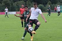 Lukáš Skovajsa v zápase Dynama s Krasnodarem odvrací akci ruského týmu.