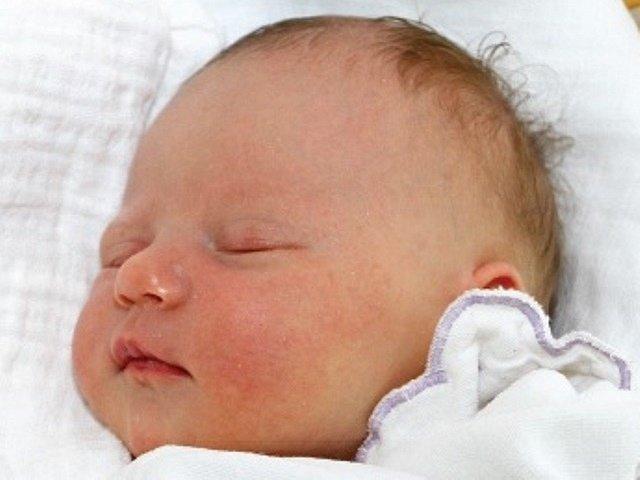 Prvorozená Zuzana Záleská spatřila světlo světa 5. března 2014 ve 20.04 hodin, měřila 52 cm a vážila 3,66 kg. Společně se svými rodiči Klárou a Ondřejem Záleských bude bydlet v Českých Budějovicích. Tatínek u porodu asistoval.