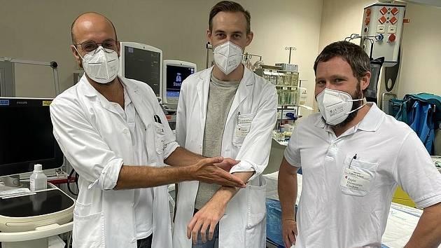 Operační tým linecké nemocnice.