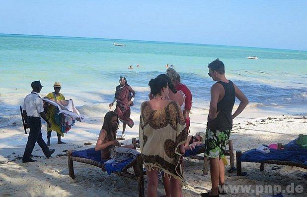 Šéf pozval sestřičky na Zanzibar.