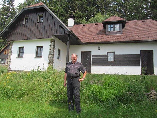 K psaní knih Hynka Klimka inspirují nádherné lesy i hora Javorník