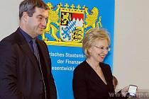 Ministr Söder a Angelika Diekmannová.