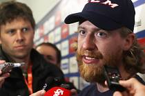 Hokejové hry v Českých Budějovicích začaly, snímky jsou ze setkání hráčů s novináři v Budvar aréně.