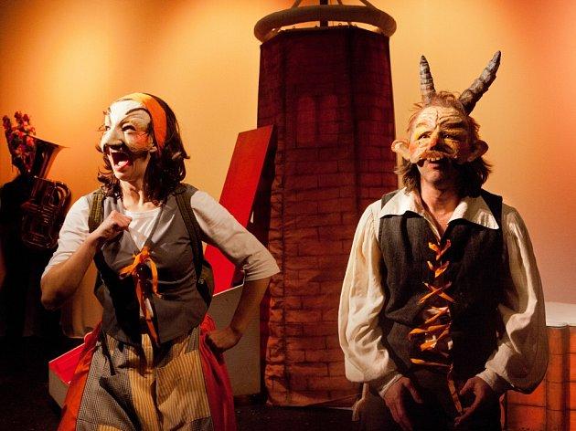 Pohádka Dalskabáty, hříšná ves, kterou má v repertoáru Malé divadlo. Jde o jeden z titulů, určený mladým divákům.