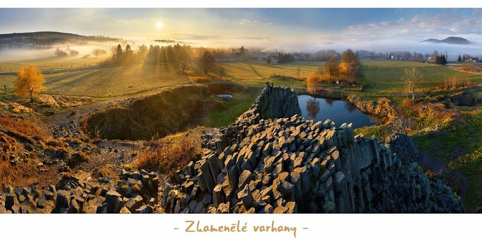 Měsíc věží a rozhleden pořádá Pohádkové království již devátým rokem. Zároveň království vedle jiných akcí vyhodnocuje nejkrásnější pohlednici roku. Autorem vítězného snímku roku 2020 je Ladislav Renner.