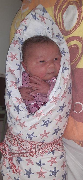 Vivien Vítková z Květova. Vivien se narodila 24. 11. 2020 v 11.23 hodin a její porodní váha byla 3650 g a holčička měřila 50 cm. Na sestřičku se doma těšila Viktorka (3).