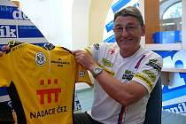 Petr Cirkl představuje žlutý rikot pro nejlepšího jezdce pelotonu