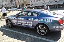 Auto, jímž podle policie podnikatel vyhrožoval svědkům.