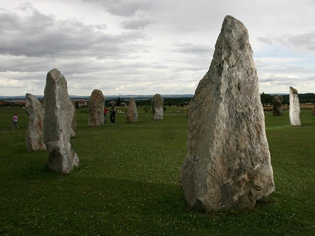 """""""Jihočeské Stonehenge"""" v Holašovicích."""