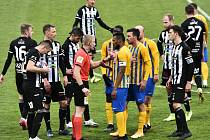 Fotbalisté Dynama minule v lize doma podlehli Opavě nečekaně 0:1, uspějí v neděli na svém hřišti s Mladou Boleslaví?