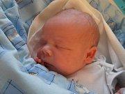 S úctyhodnou porodní váhou 4,23 kg se na svět vyklubal Jakub Prokeš. Narodil se ve středu 8.4.2015 v 10 hodin a 25 minut. Prvorozený Kubík bude mít své dětství spjato s Lomnicí nad Lužnicí.