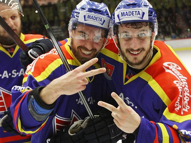 Hokejisté ČEZ Motoru vyhráli páté semifinále play off první ligy proti Třebíči a budou v baráži bojovat o postup do extraligy. Zápas skončil 8:2 pro České Budějovice.