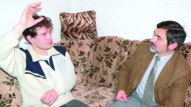 Policista po úrazu v rozhovoru s policejním mluvčím Jaroslavem Beranem.