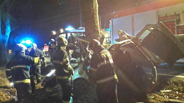 Tragická nehoda se stala v noci 23. prosince u Třebotovic nedaleko Českých Budějovic.