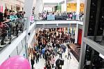 Nová část IGY se otevřela v pátek v 11 hodin. V 11.20 hodin už byla plná lidí.