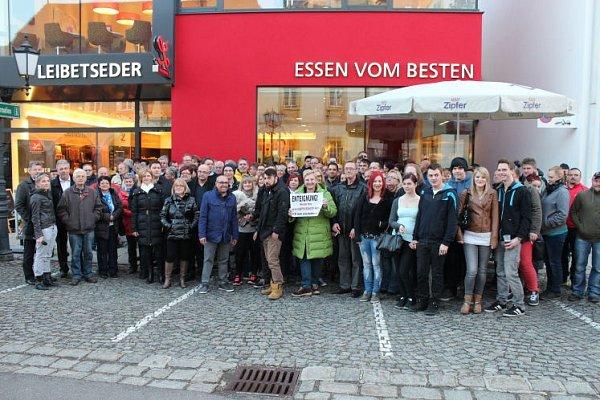 Hospodští zRohrbachu demonstrují.