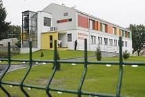 Školka v Ledenicích, jeden z vykradených objektů.