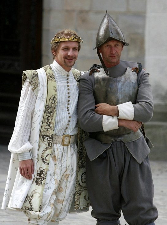 Řada komparsistů se ráda fotila s Tomášem Klusem a on ochotně pózoval.