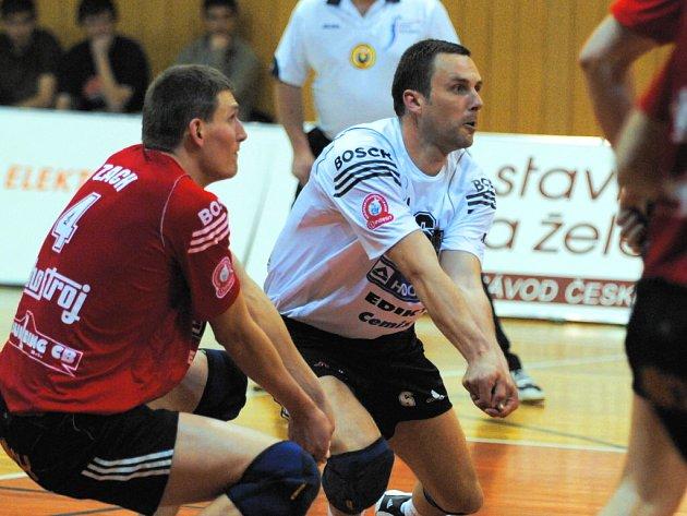 Libero Petr Habada (vpravo se Zachem) podal v sobotním uktání s Ústím výborný výkon.