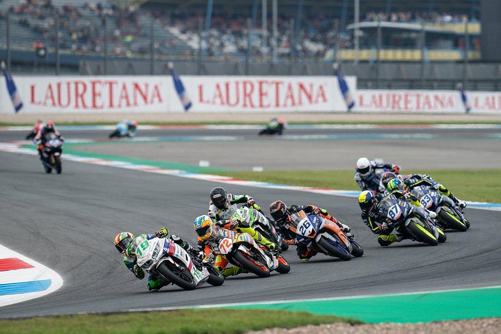 Z Assenu se tým motocyklový tým Jakuba Smrže vrátil bez bodů .