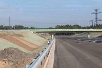 Dálnice D3 v úseku mezi Borkem a Úsilným byla ve středu 27. září slavnostně uvedena do zkušebního provozu. Pro řidiče se otevírala odpoledne. Od Českých Budějovic se bude najíždět přes lišovskou silnici.