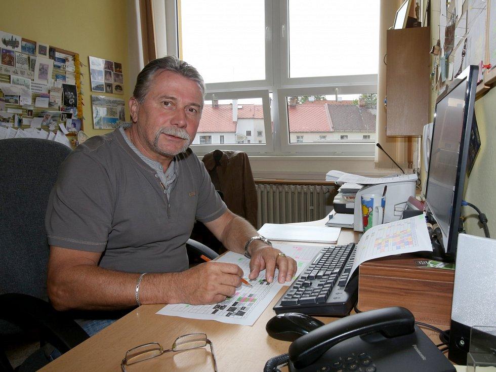Ředitel základní školy a bývalý hokejista Vladimír Caldr