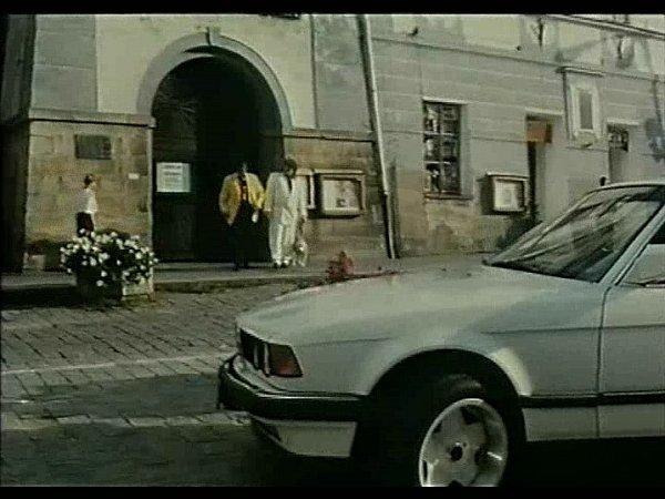 Záběr zfilmu Divoké pivo. Třeboňské náměstí.