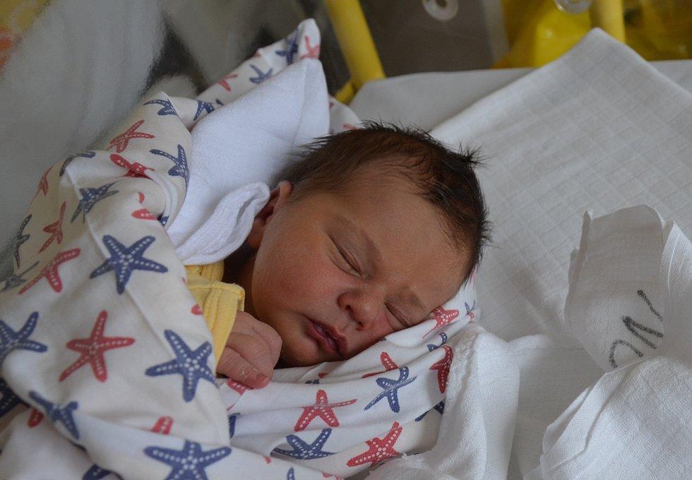 Václav Petrášek z Dvorce u Dubu. Prvorozený syn Štěpánky a Václava Petráškových se narodil 6. 11. 2020 v 00.32 hodin. Při narození vážil 3300 g a měřil 50 cm.