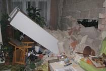 Sesuv skály napáchal v rodinném domě spoušť.