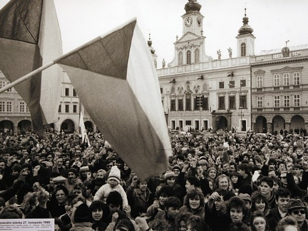 Listopad 1989 v Českých Budějovicích.