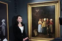 Alšova jihočeská galerie získala do sbírek obraz Modlitba za oběšence, který v roce 1861 namaloval Hippolyt Soběslav Pinkas. Dlouho nezvěstné dílo získala od soukromého majitele za dva miliony korun. Na snímku u obrazu historička umění Kristýna Brožová.