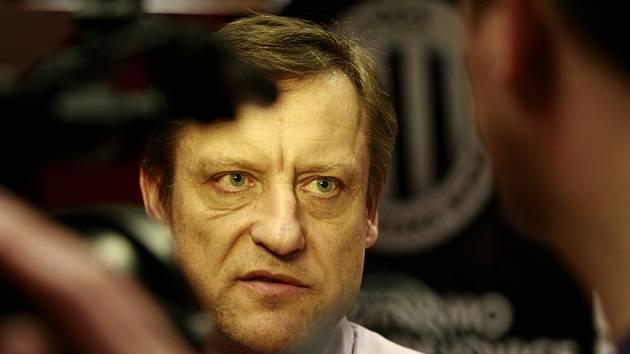O situaci v klubu informoval novináře na středeční tiskovce generální manažer Dynama Jiří Kotrba.