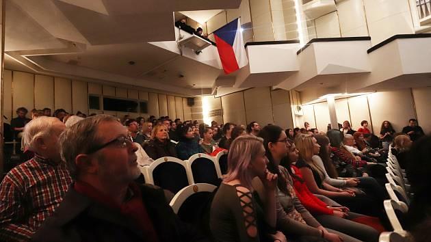Demonstrace studentů - Vyjdi ven v Českých Budějovicích