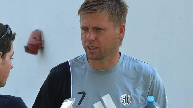 Trenér David Horejš může být s výkony prvoligového dorostu Dynama v poslední době spokojen.