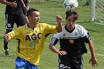 Vítězný gól devatenáctky Dynama s Příbramí dal Martin Škoda (vpravo).