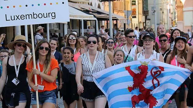 Tisíce mladých sportovců se představí v Českých Budějovicích na festivalu Eurogym 2016. Akce se účastní závodníci ve věku od 12 do 18 let z dvaceti evropských zemí.