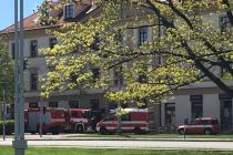 Hasičské vozy na Mariánském náměstí.