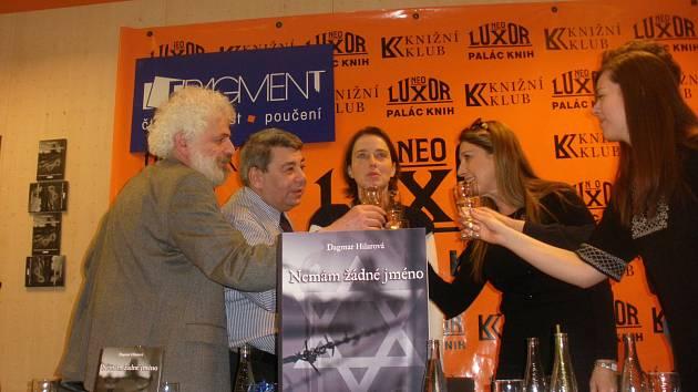 Křtu knihy se zúčastnil i Fedor Gál (vlevo)