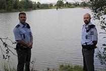 Policisté Vladimír Lavička (vlevo) a Ladislav Škopek.
