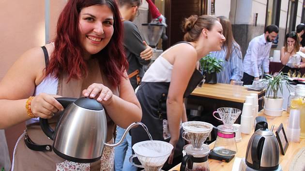 V Českých Budějovicích se konal charitativní festival výběrové kávy Plachý Coffee Fest.