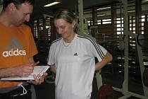 Trenér Bahenský  a atletka Lucie Sekanová.