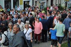 Na setkání s prezidentem přišly ve Velešíně stovky občanů.