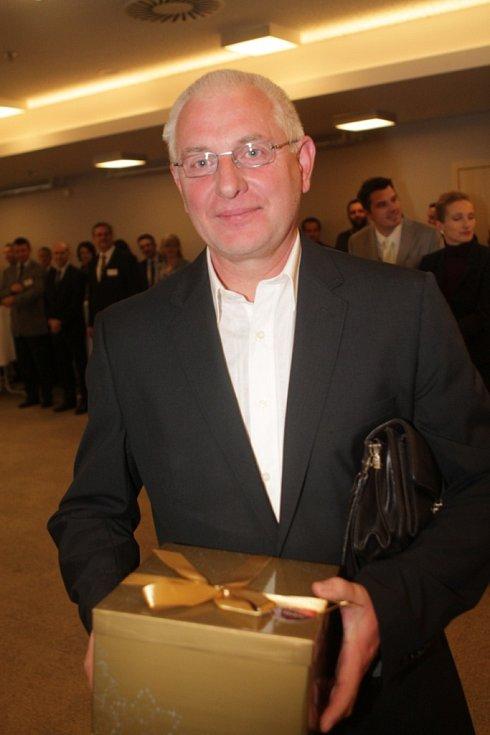Slavnostní večer k ukončení třetího ročníku projektu Chováme se odpovědně. Na snímku je statutární ředitel firmy PRIMA Strakonice a.s. Stanislav Bočánek