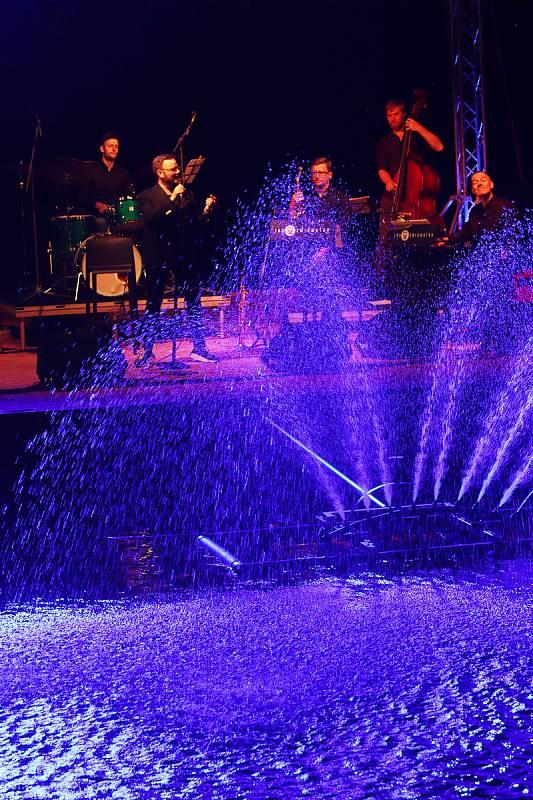 Múzy na vodě 2021. 5. července hráli Jan Smigmator & Band.