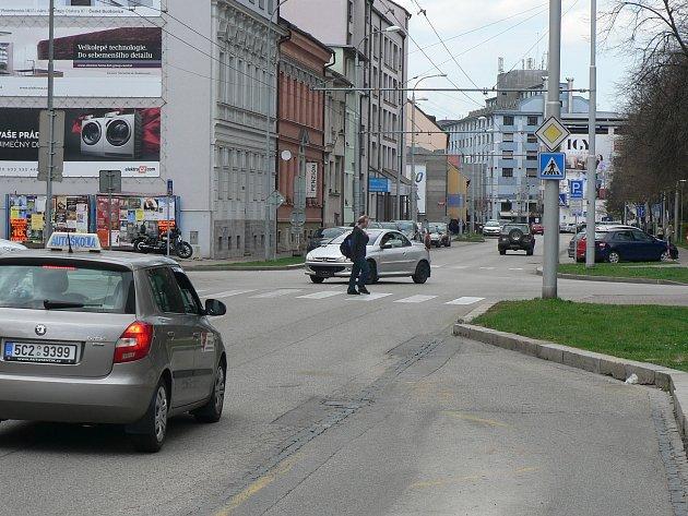 Křižovatka Pekárenské a Jírovcovy ulice v Českých Budějovicích dostane semafory.