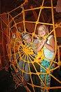 Písecká galerie Sladovna otevřela hravou výstavu Trnkova Zahrada 2. Ožívá v ní oblíbená kniha několika generací, kterou napsal Jiří Trnka. Děti pobaví mluvící velryba, trpaslík, prolézačky či kočkodrom.