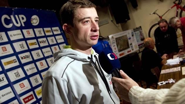 Radomír Šimůnek odpovídá na dotazy novinářů