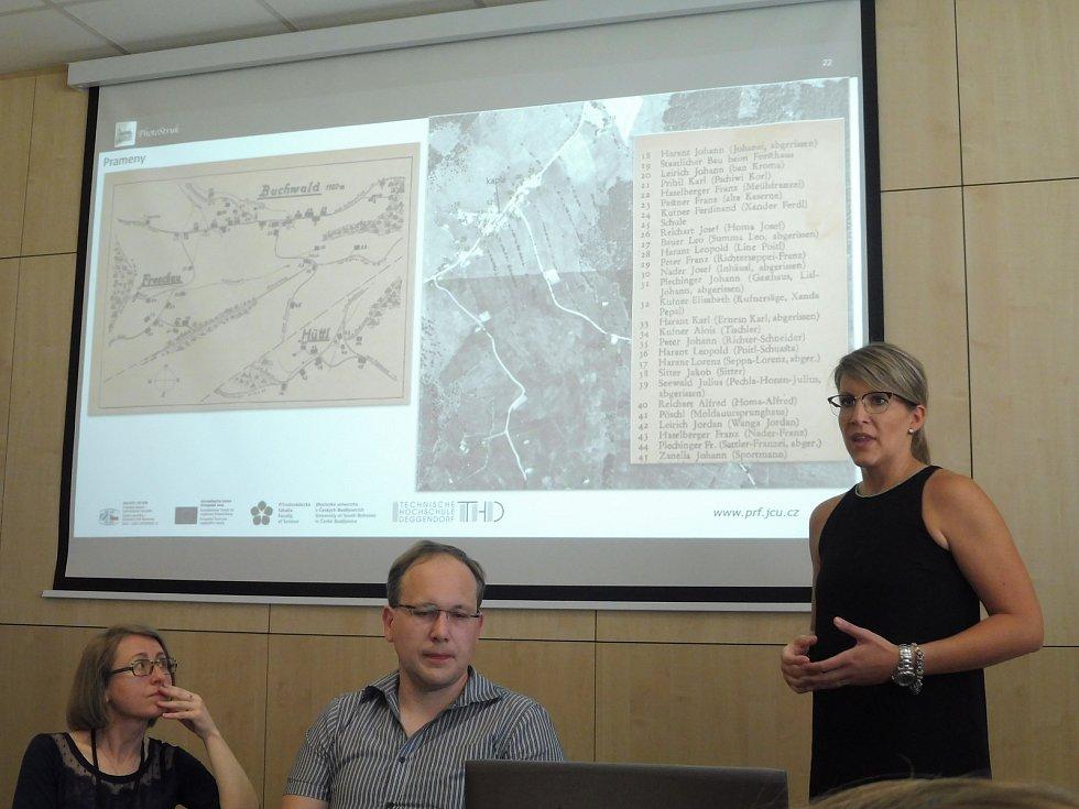 Projekt PhotoStruk spojil jihočeské a bavorské vědce, kteří dokázali virtuálně přiblížit zaniklé vsi Šumavy a Novohradských hor.